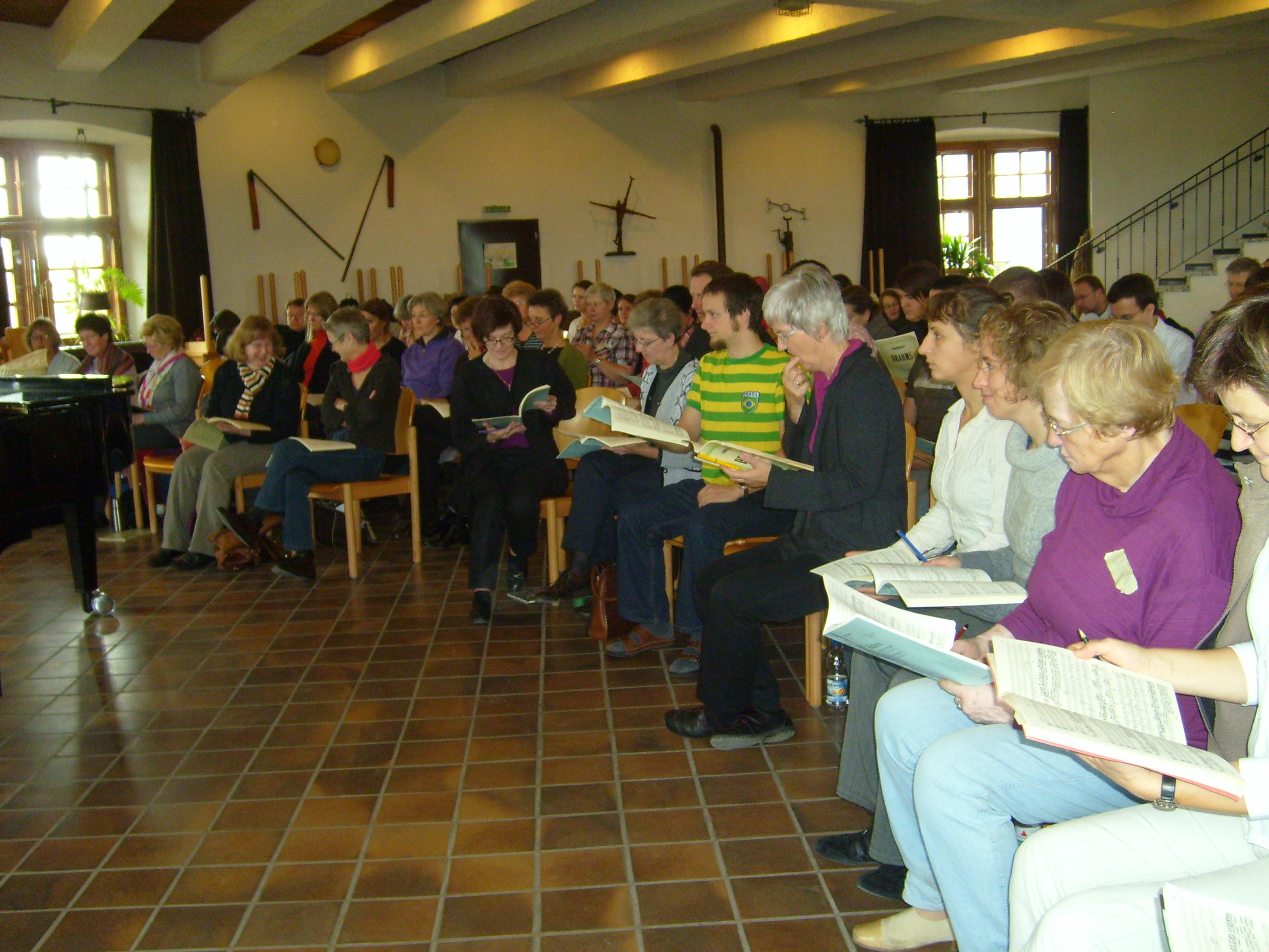 Intensive Vorbereitung auf ein Konzert zusammen mit dem Oratorienchor Münster auf der Wewelsburg